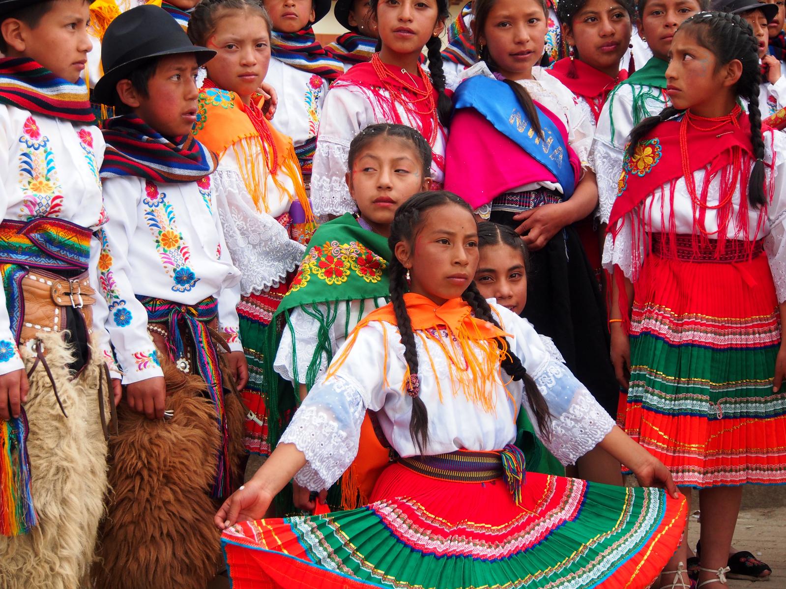 Ekvádorský karneval září barvami